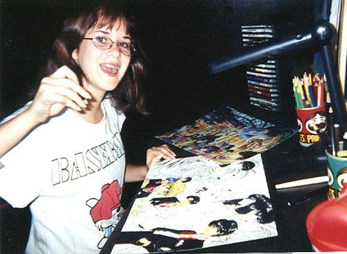 ila adolescente no seu quarto em santa cruz desenhando na escrivaninha